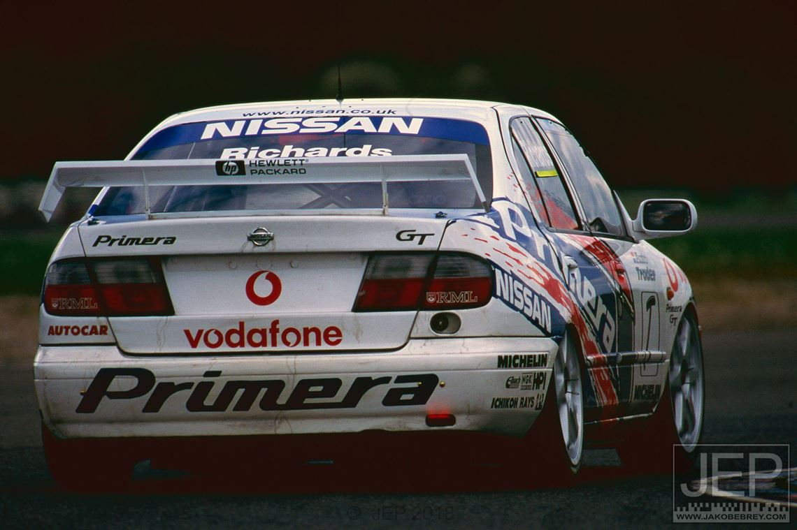 nissan-primera-super-touring-car