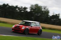 r53-mini-jcw-racetrack-car