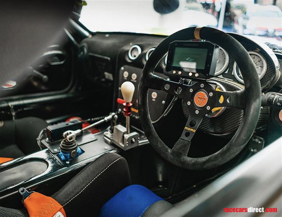mid-2019-ginetta-g40-junior-with-large-spares