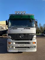 mercedes-actros---rigid-transporter-with-livi