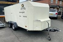 4-wheel-covered-trailer-with-purpose-made-awn