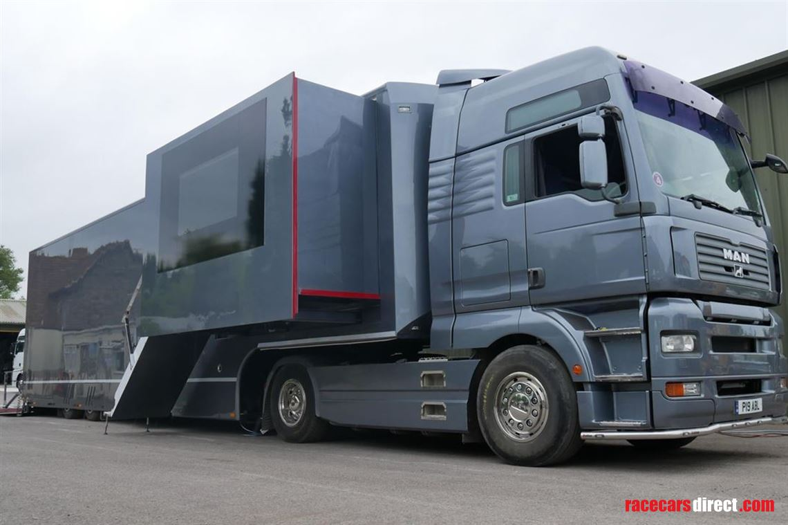 two-car-transporter-with-twin-slide-outs