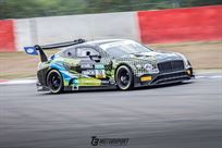 drives-24h-dubai-bentley-gt3-audi-r8-gt3-audi