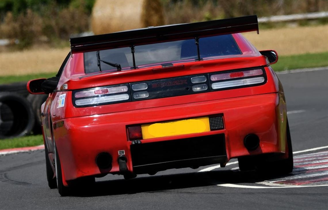 nissan-300zx-twin-turbo-road-legal-track-car