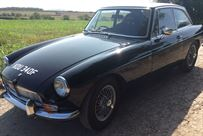 mgb-gt-mk1-1967-in-black-rally-fast-road