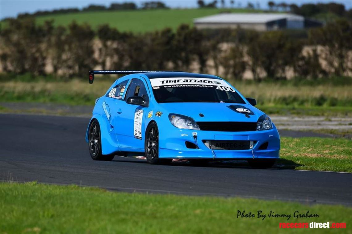 time-attack-astra-vxr-race-car
