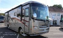 2009-holiday-rambler-vacationer-34pdd-xl