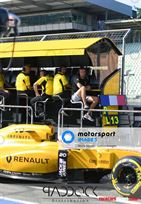 renault-f1-pitwall