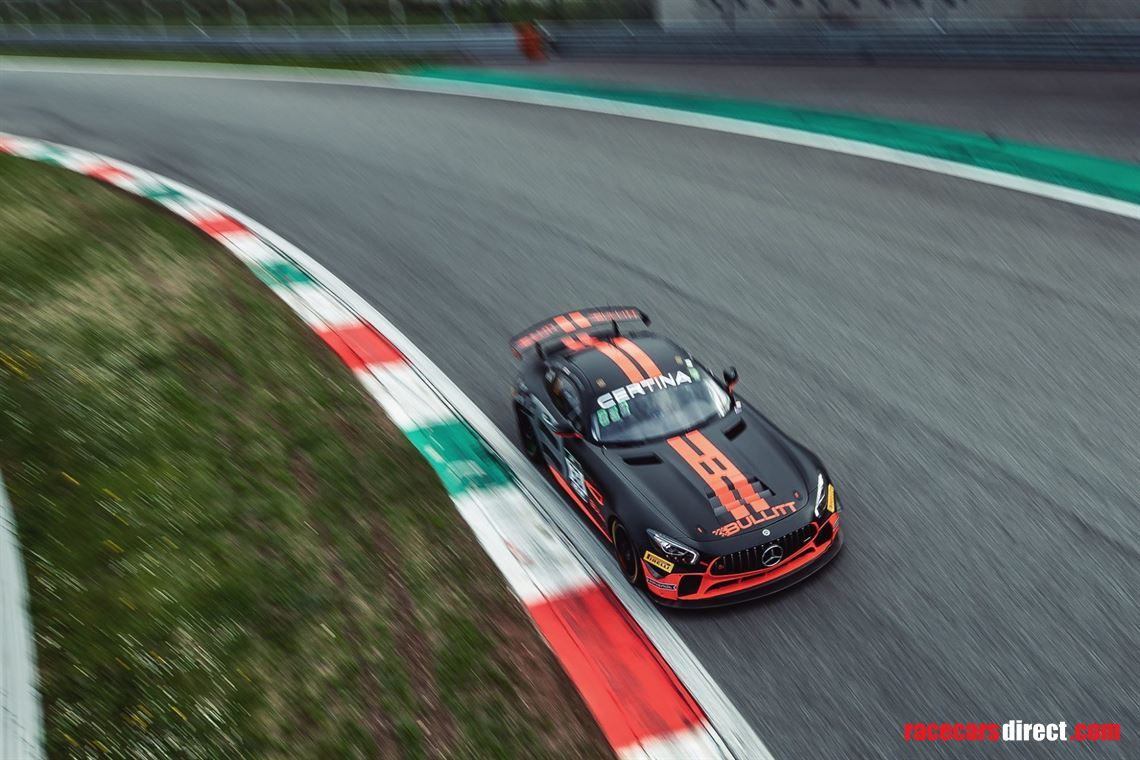 drive-availible-gt-cer-in-mercedes-amg-gt4