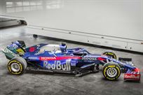 formula-1-toro-rosso-str1404-rolling-chassis