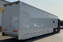 race-trailer-with-renault-magnum-tractor-unit