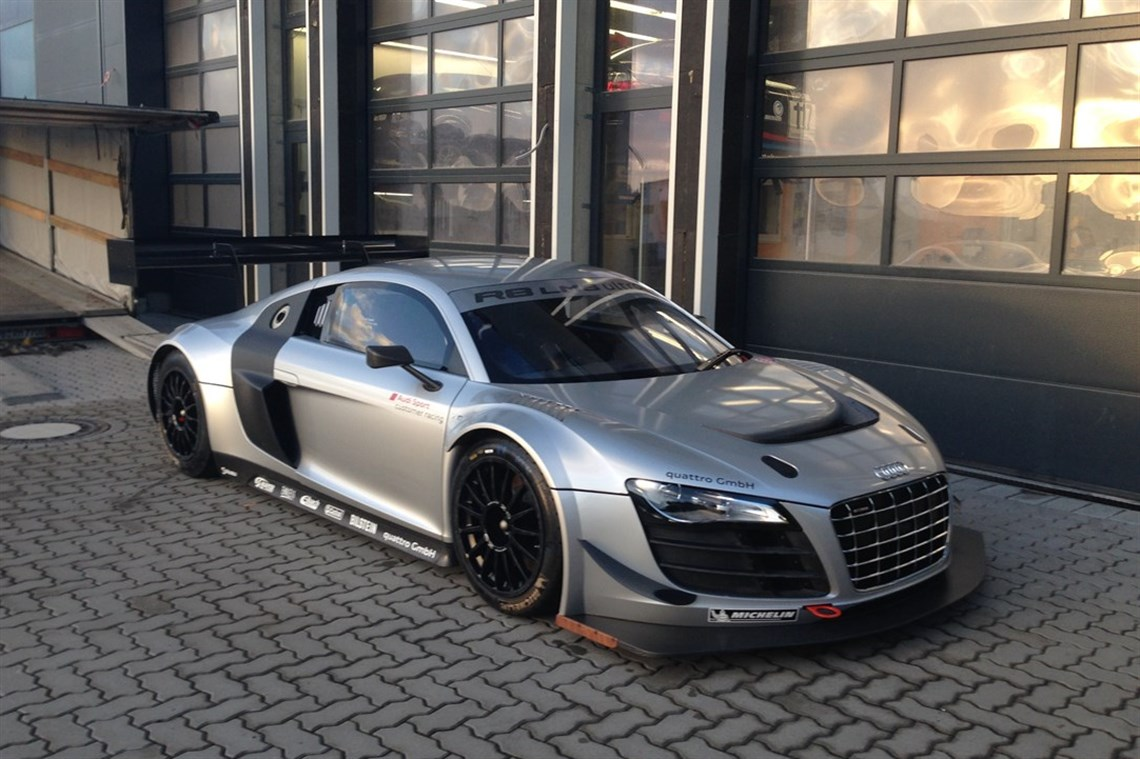 Racecarsdirect.com - Audi R8 LMS Ultra-only trackdays!