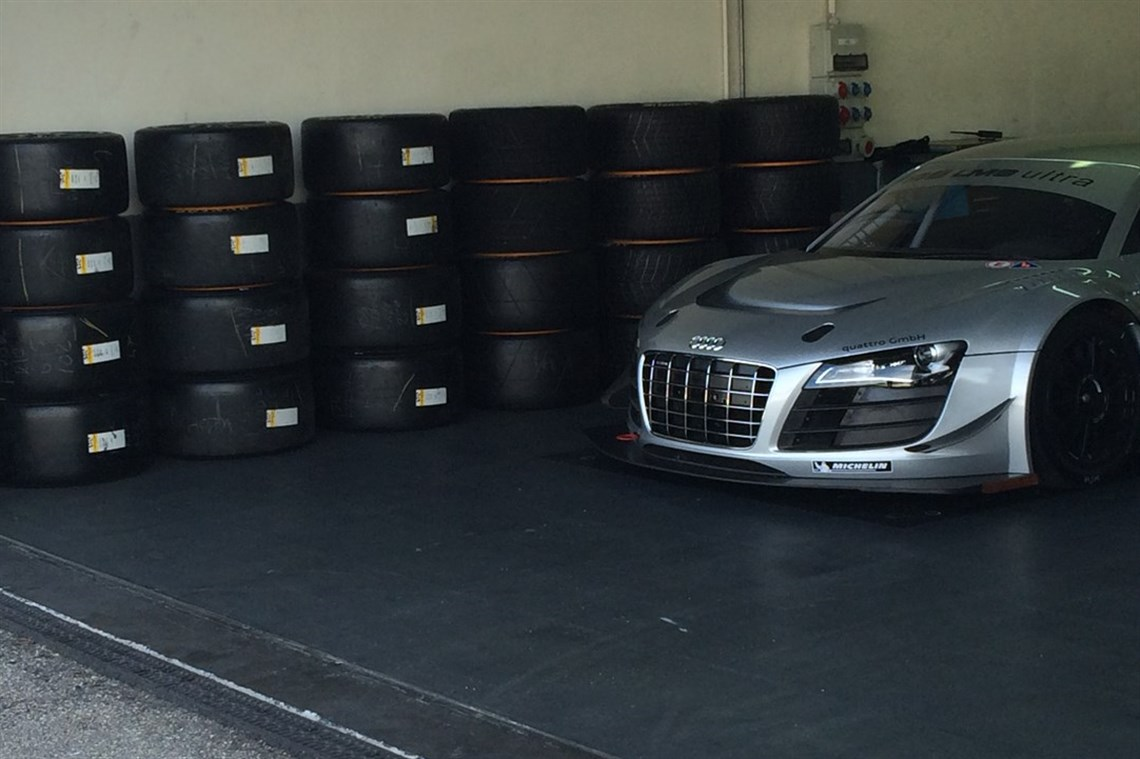 Racecarsdirect com - Audi R8 LMS Ultra-only trackdays!