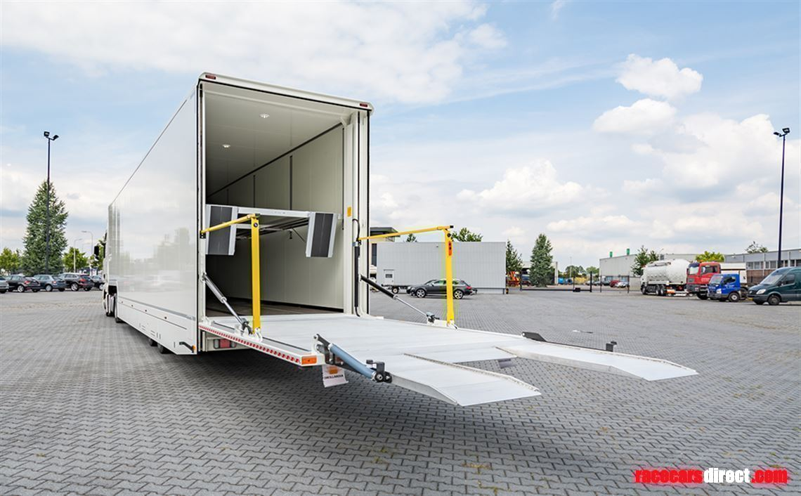 brand-new-4-car-racetrailer-incl-luxury-offic