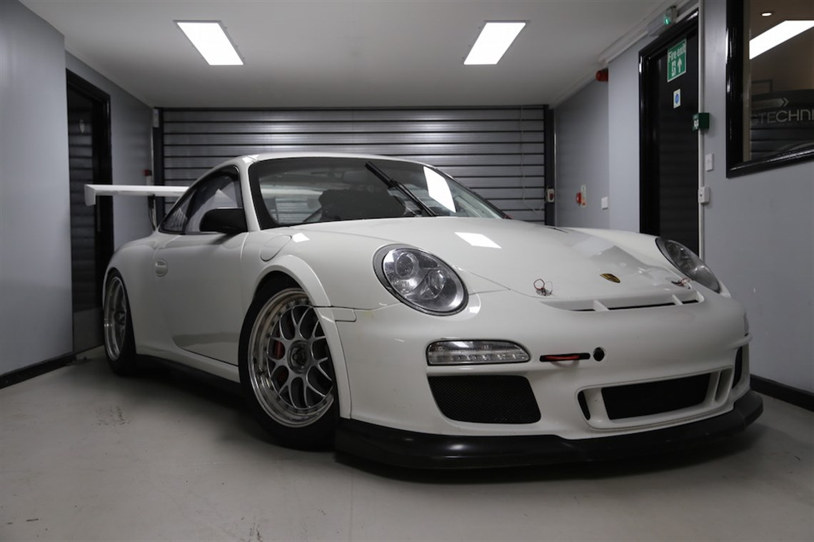 porsche 997 gt3 cup car. Black Bedroom Furniture Sets. Home Design Ideas