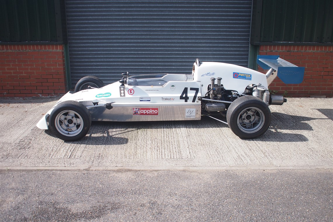 Racecarsdirect.com - Lola Super Vee 324 1975