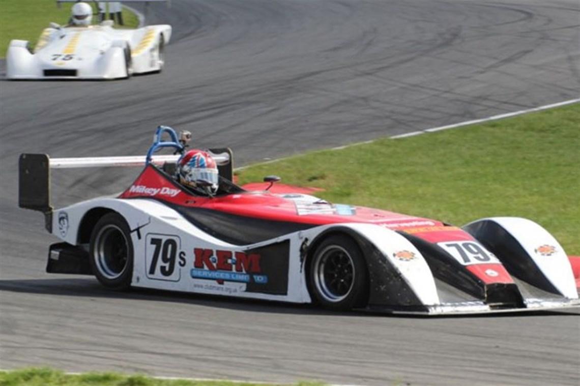 Racecarsdirect.com - Mallock Mk26 sports racing car, carbon fibre body