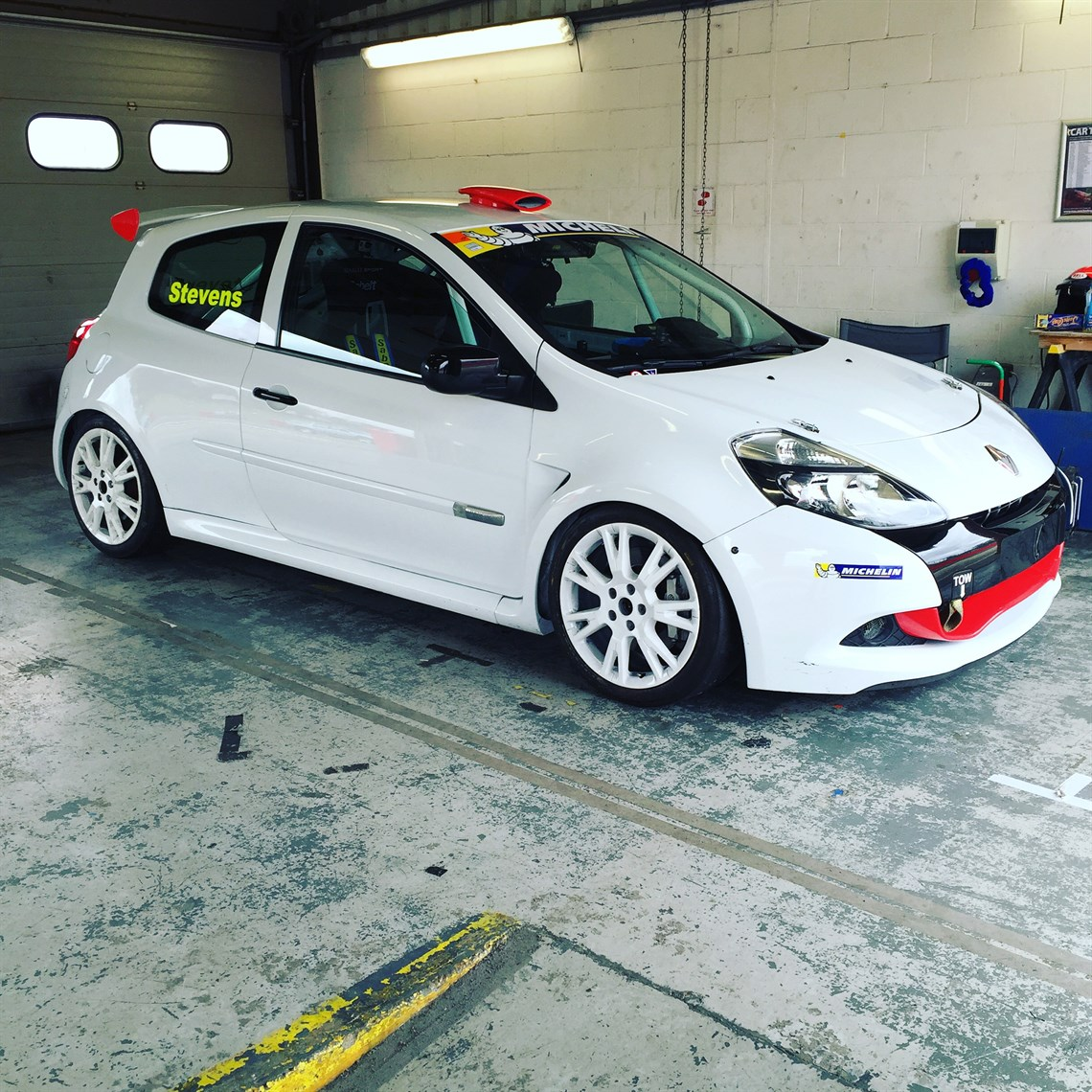 Renault Race Car: Renault Clio Cup X85 Race Car