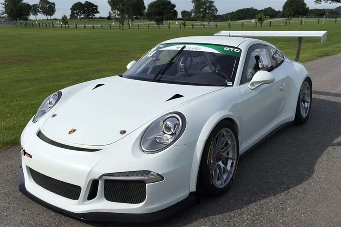 porsche 991 gt3 cup car 2015 specification with 2016. Black Bedroom Furniture Sets. Home Design Ideas
