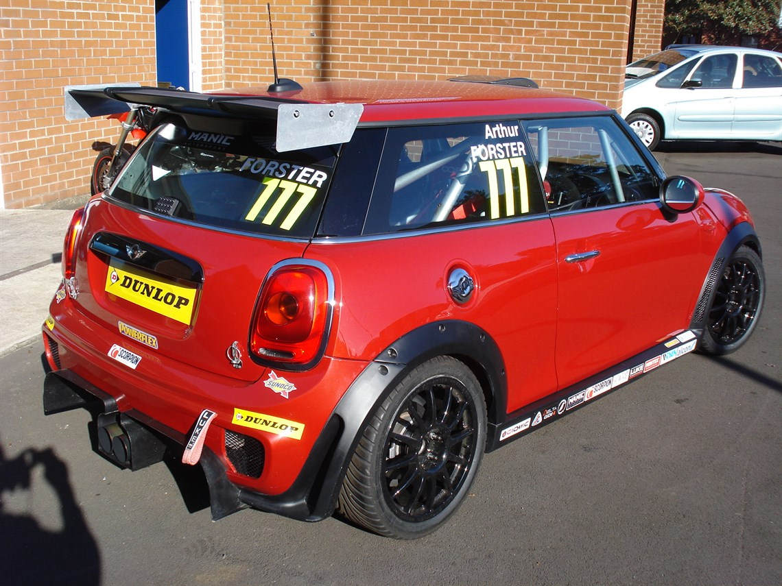 Racecarsdirect.com - Mini Challenge JCW Race Car