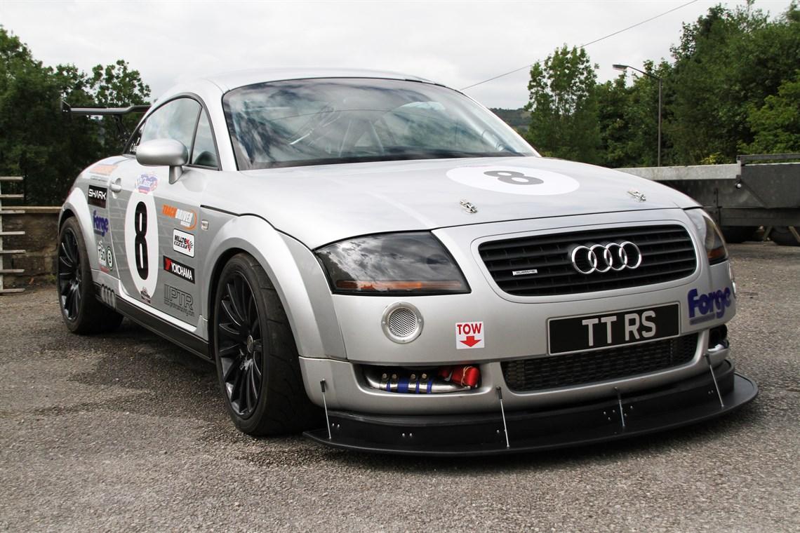 Audi tt racing