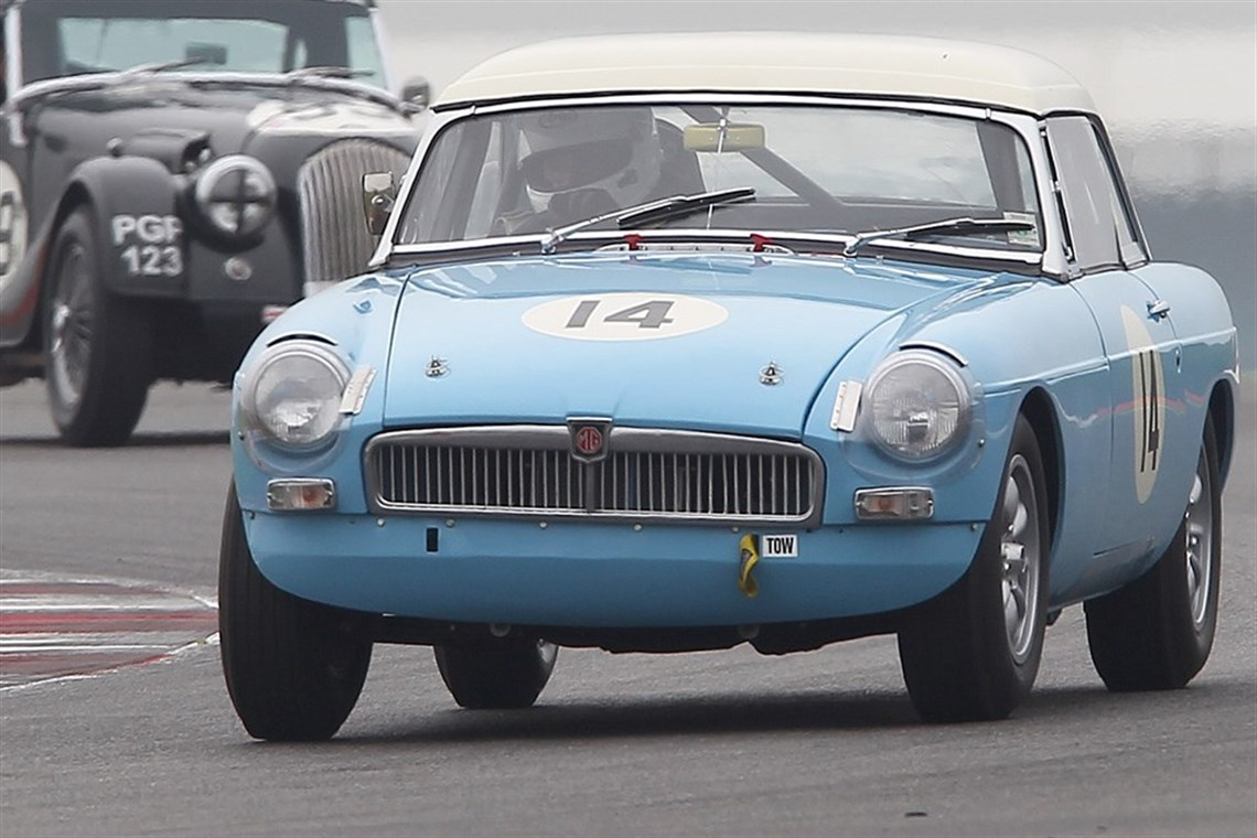 Racecarsdirect.com - FIA spec MGB Roadster 1963
