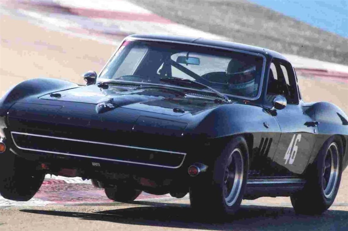 1965-chevrolet-corvette-c2-sting-ray