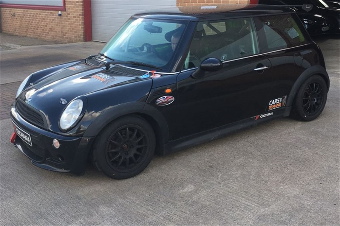 mini-cooper-race-car-complete-with-spares