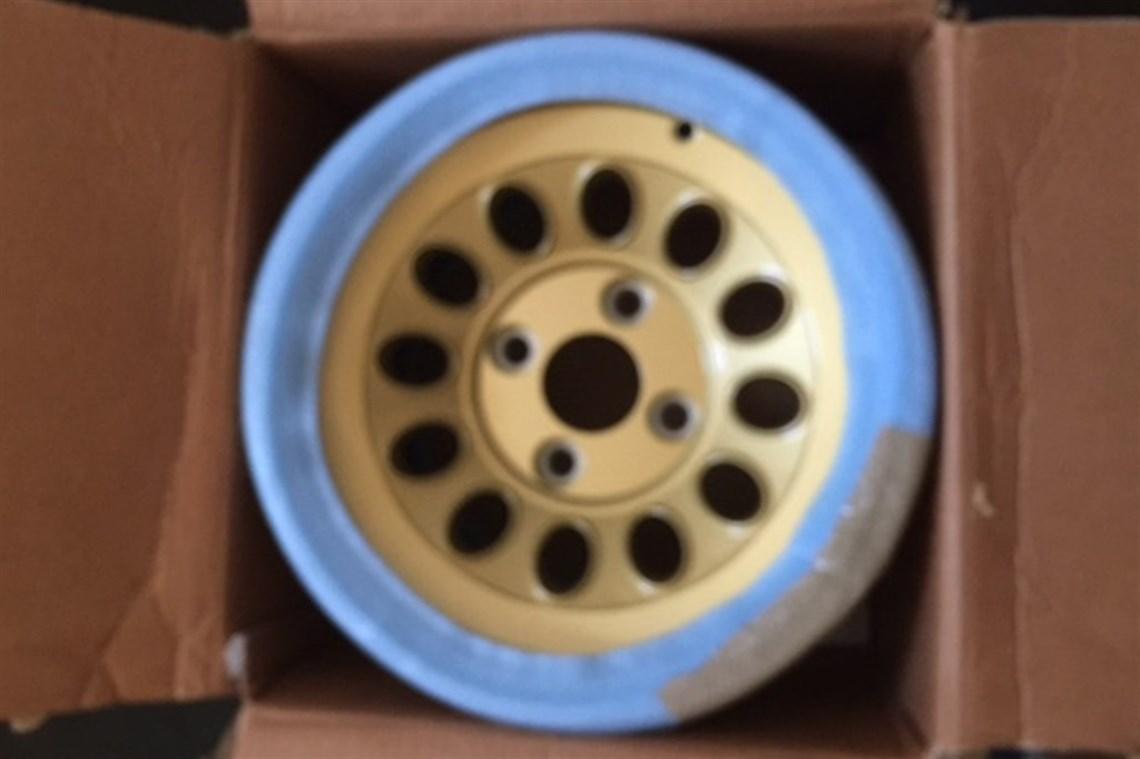 Alfa Romeo Gtam Ultra Light Gold Alloy Wheels
