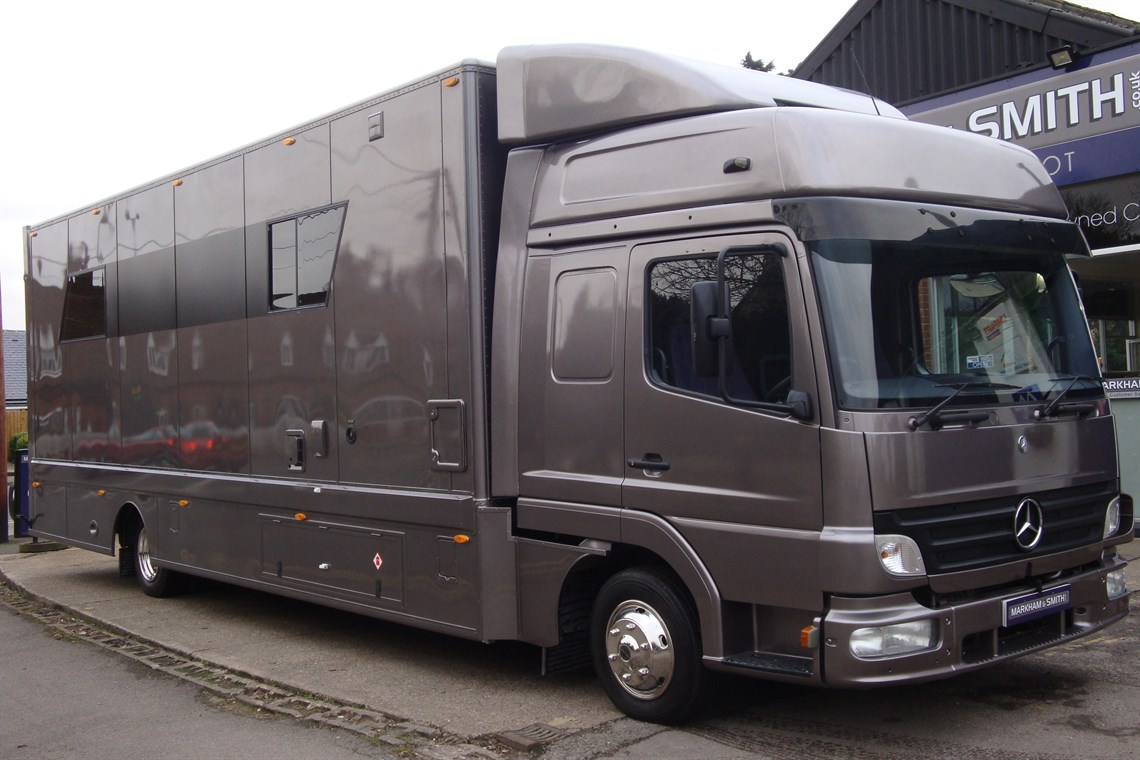 mercedes race transporter motor home no vat. Black Bedroom Furniture Sets. Home Design Ideas