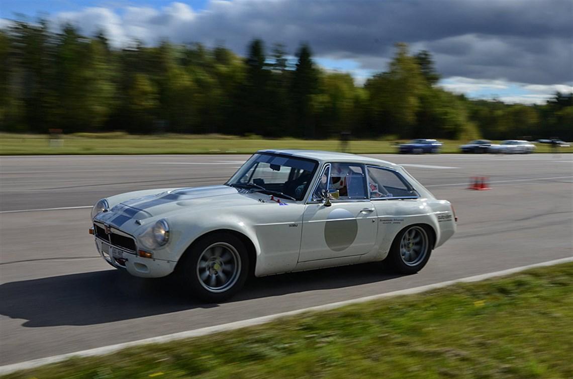 Racecarsdirect.com - MGB GT V8 Sebring