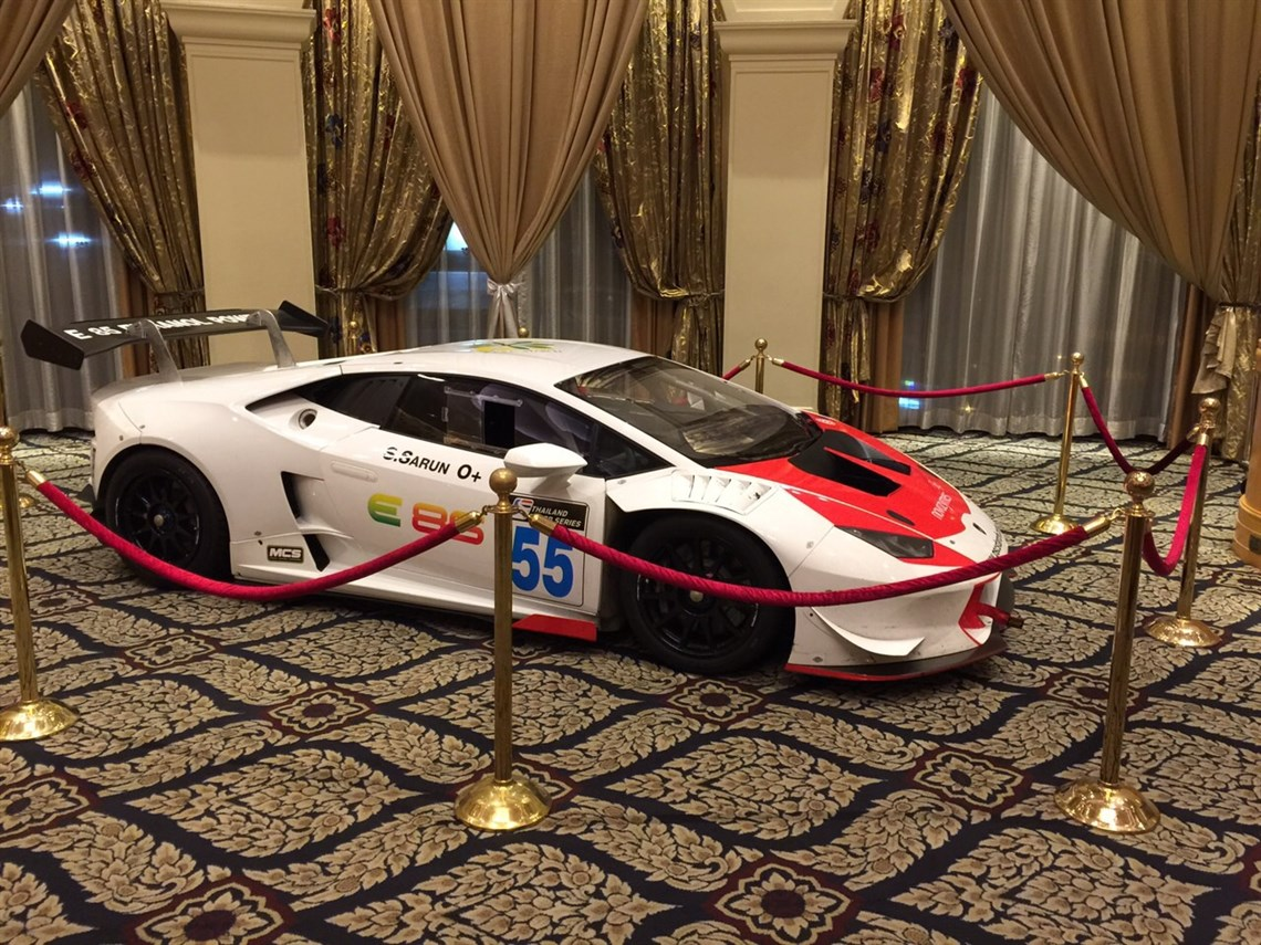huracan-super-trofeo-year-2015