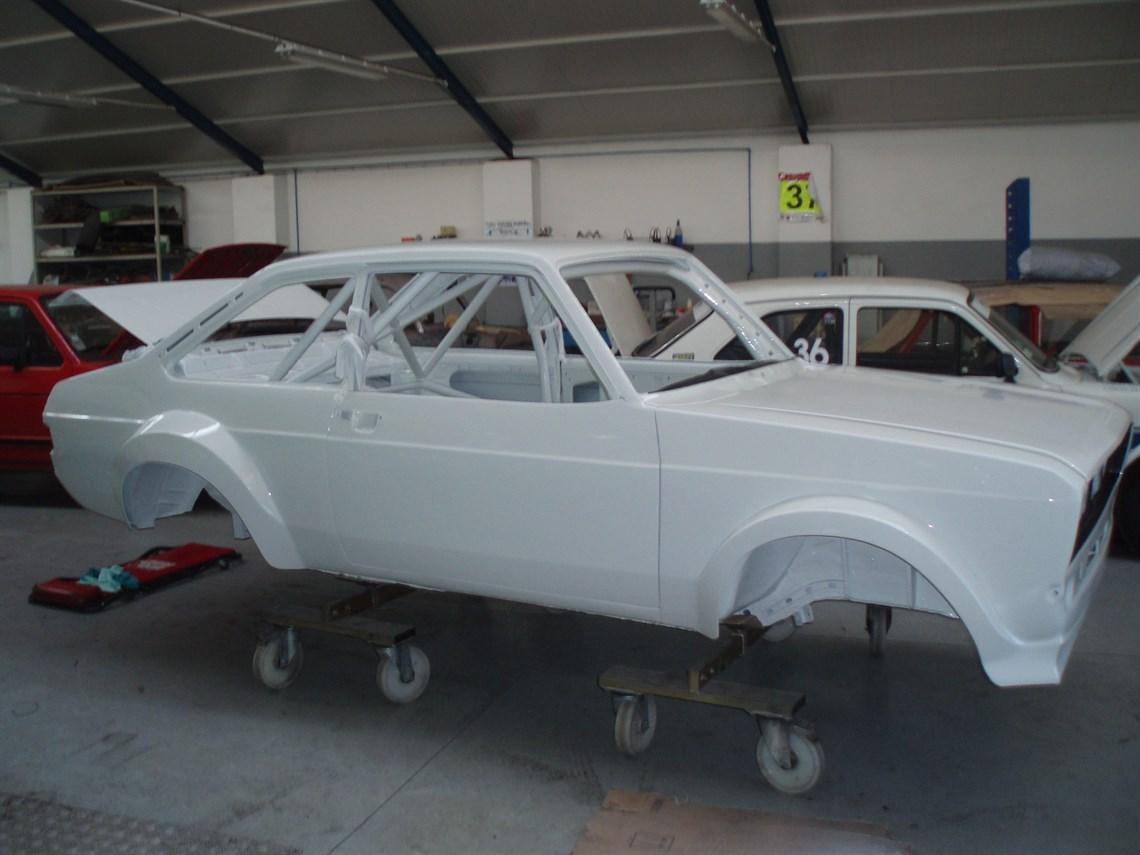 Racecarsdirect.com - Ford Escort MK2 RS2000 GR4 Replica