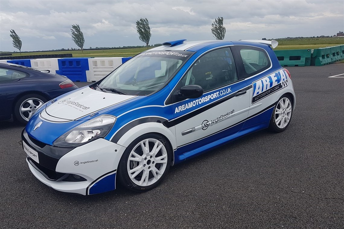 Racecarsdirect.com - Clio Cup Racer X85, Race Shuttle & Spares