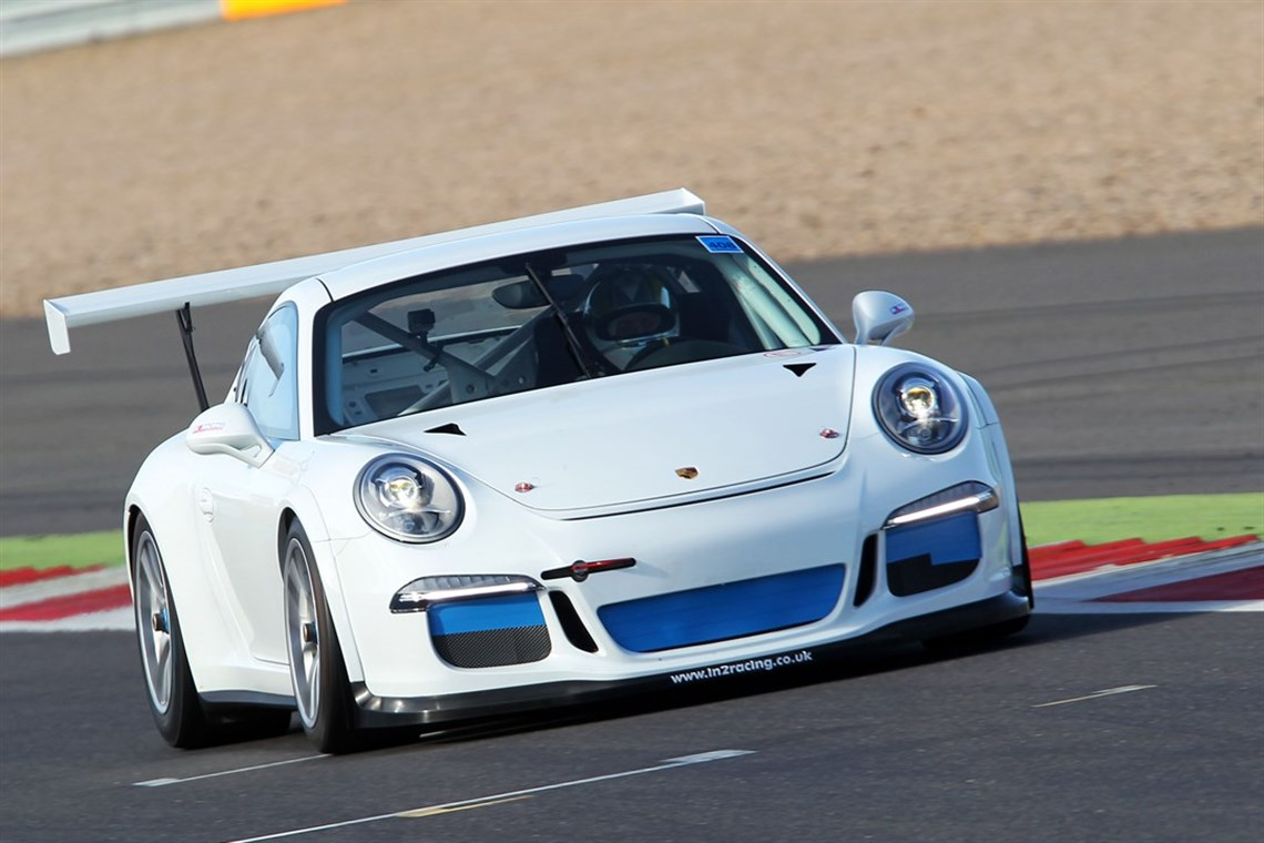 2016-porsche-991-carrera-cup-car-8160