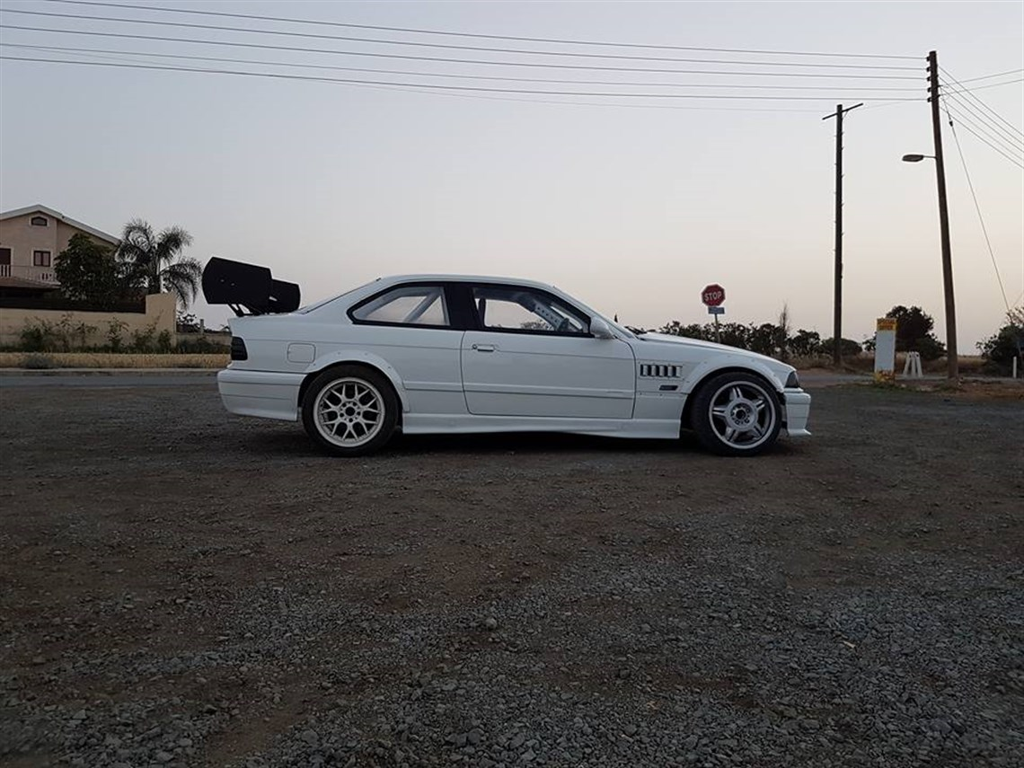 1995-bmw-e36-30l-m3driftrace-car
