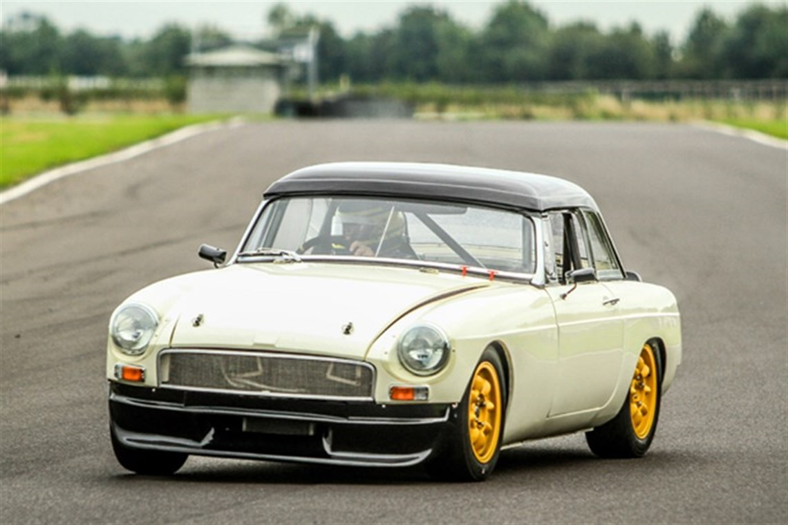 Racecarsdirect.com - 1970 MGB Race Car