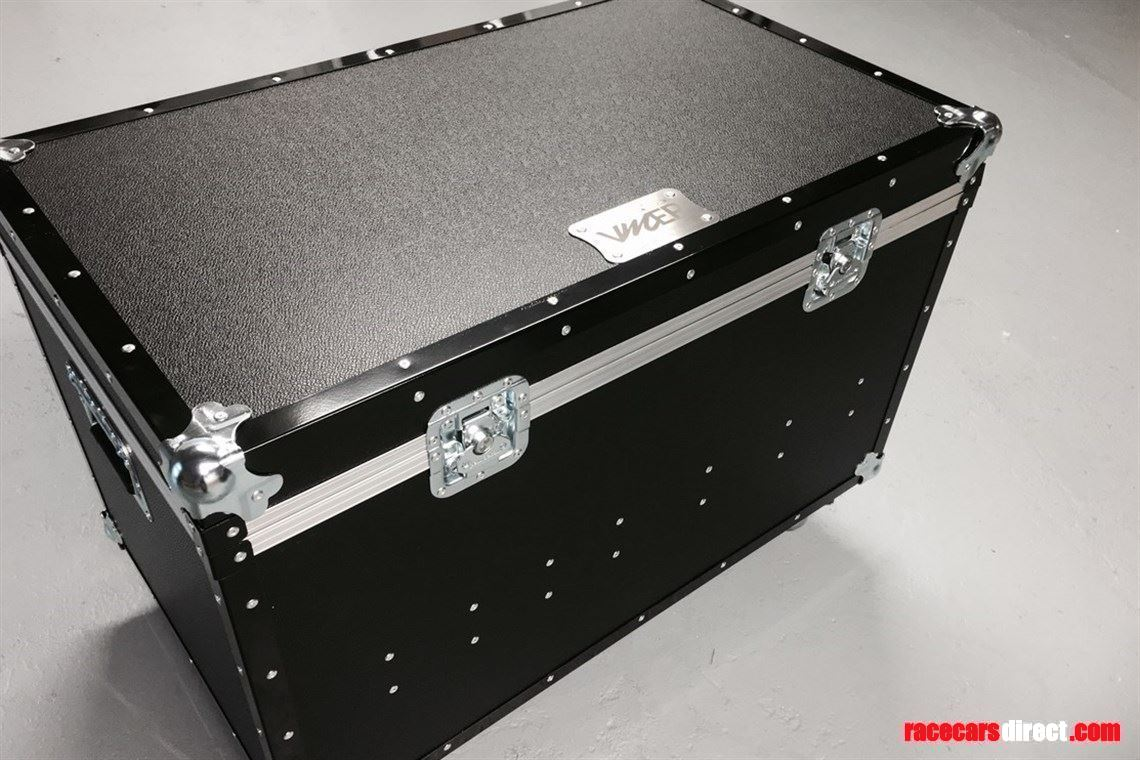 scale-pad-levellers-with-flight-case