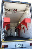 racetrailer-for-2-cars-living-kitchen-awning