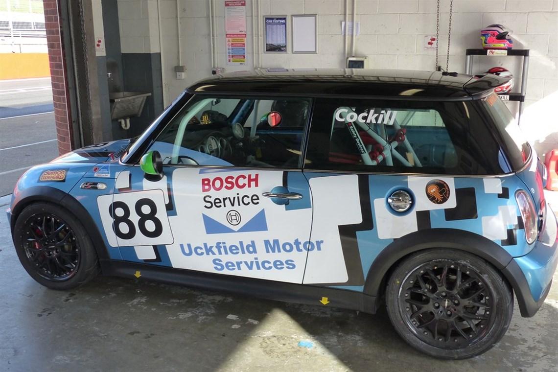 Racecarsdirect.com - Mini R53 Cooper S