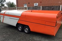 4-wheel-clamshell-covered-trailer