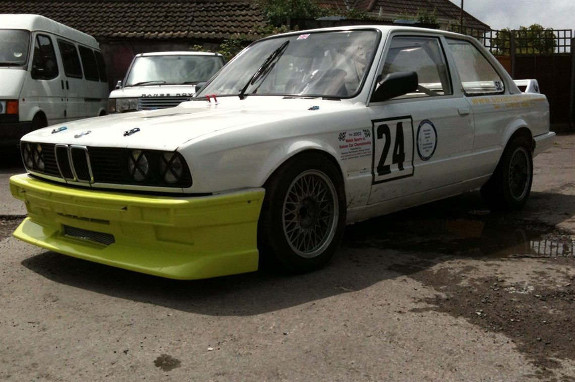 Racecarsdirect com - BMW E30 325i coupe race car 3 5L M30 engine 335i