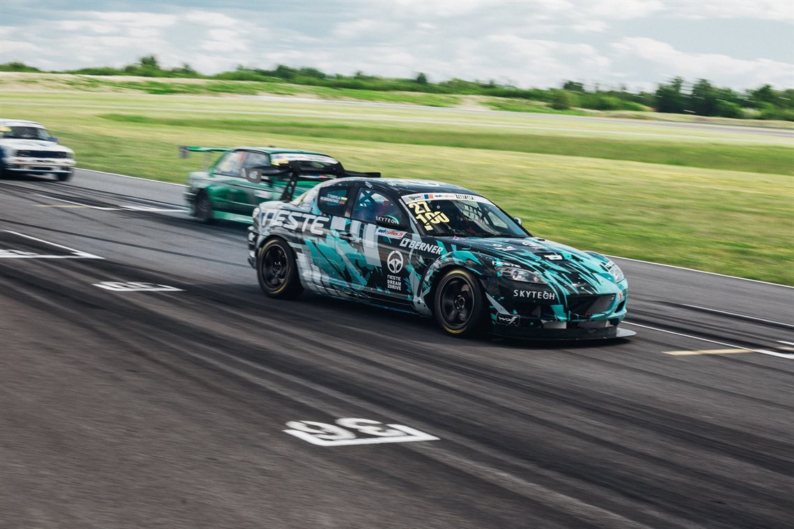 Racecarsdirect.com - Mazda RX-8
