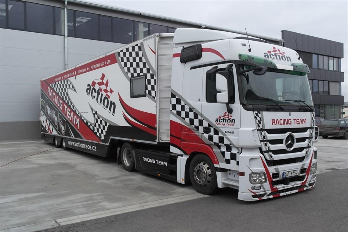 Racecarsdirect.com - Race car trasporter