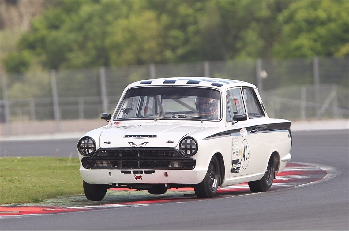 Racecarsdirect.com - Lotus cortina race car
