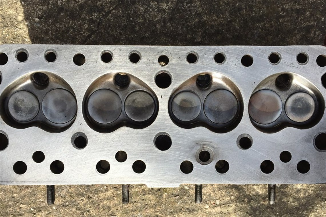 Racecarsdirect com - A series 12g295 cylinder head