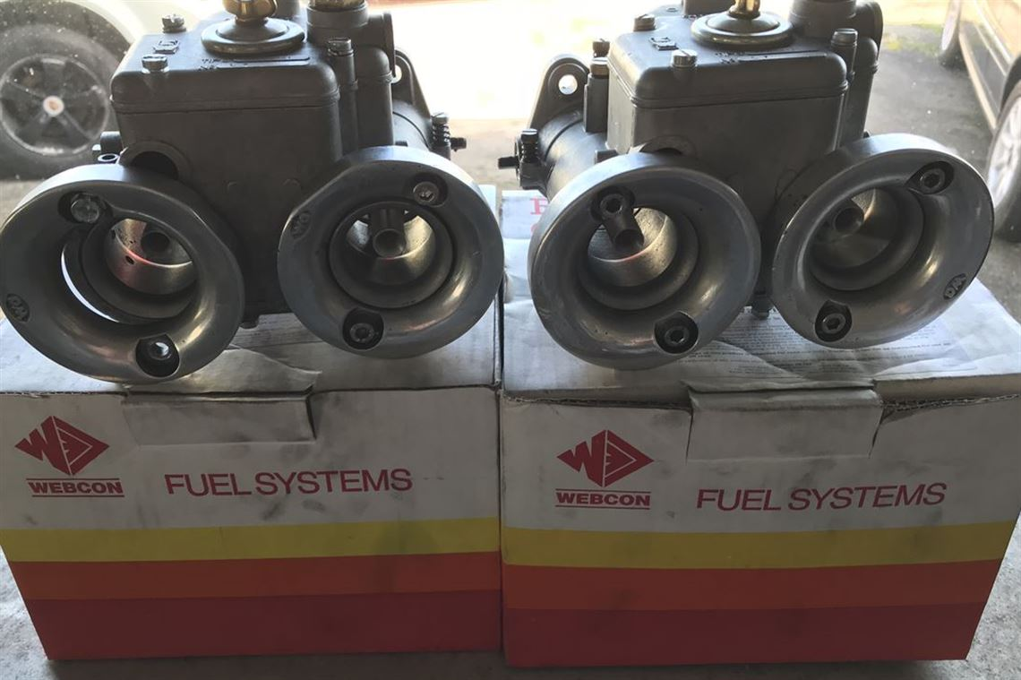 pair-of-40-dcoe-weber-carbs