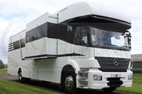 hr-dominator-motorhome-with-garage