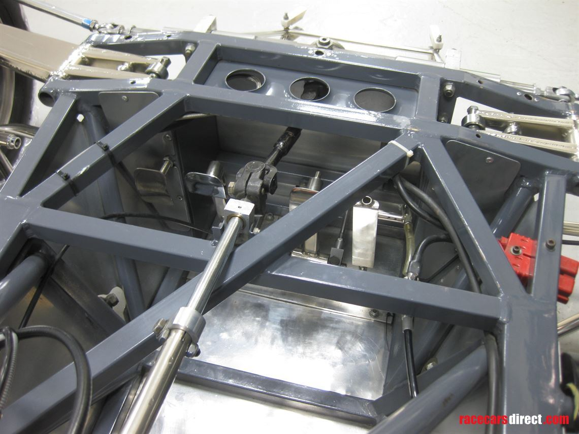 van-diemen-rf82-and-spares-package
