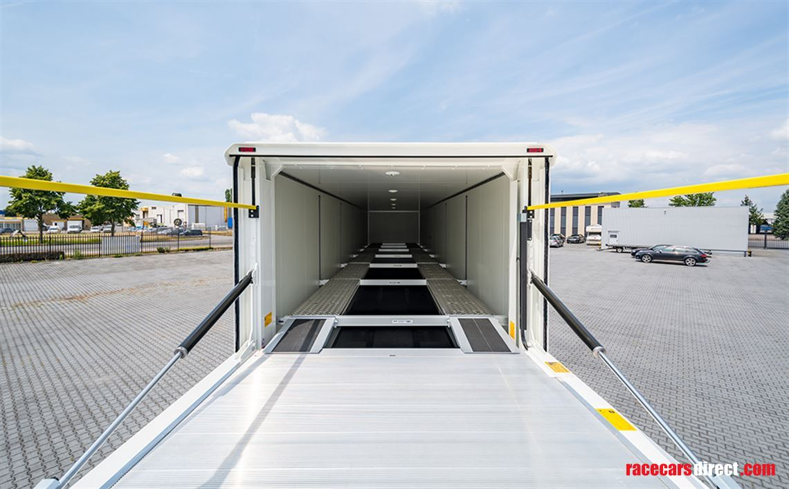 race-trailer-office-double-deck-and-space-for